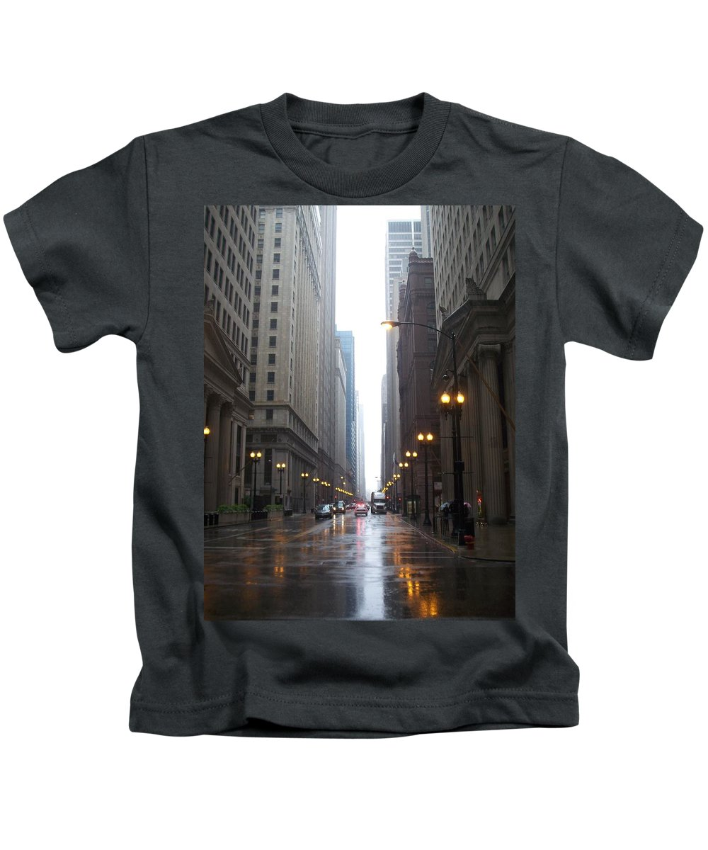 Chicago Kids T-Shirt featuring the photograph Chicago In The Rain 2 by Anita Burgermeister