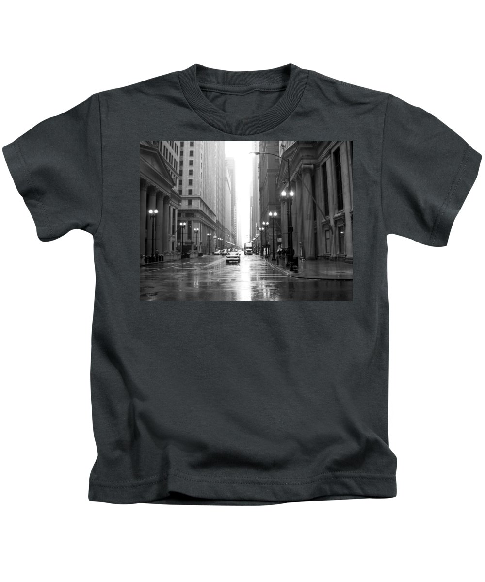 Chicago Kids T-Shirt featuring the photograph Chicago In The Rain B-w by Anita Burgermeister