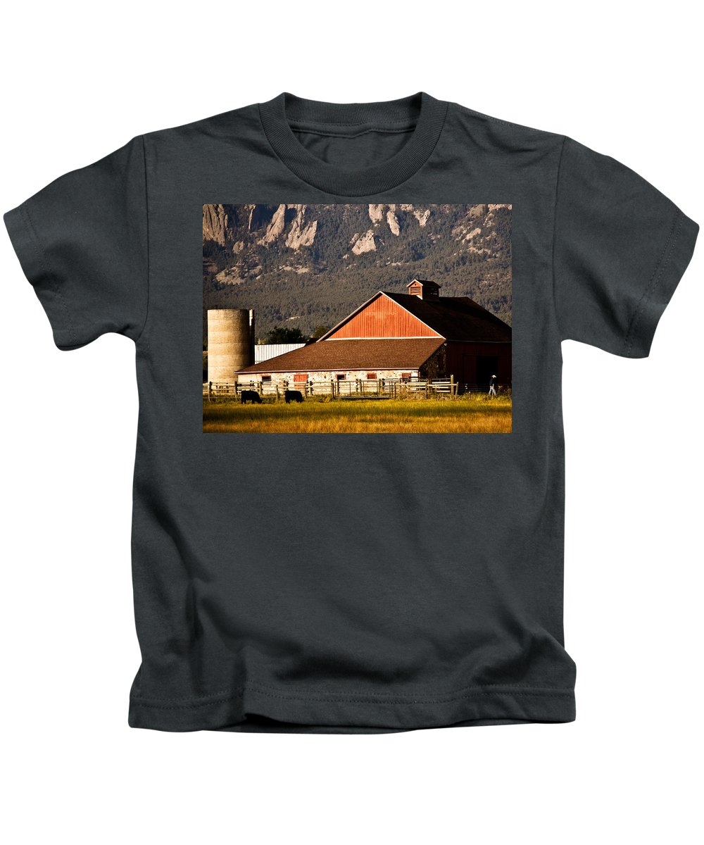 Americana Kids T-Shirt featuring the photograph Country Living Boulder County by Marilyn Hunt