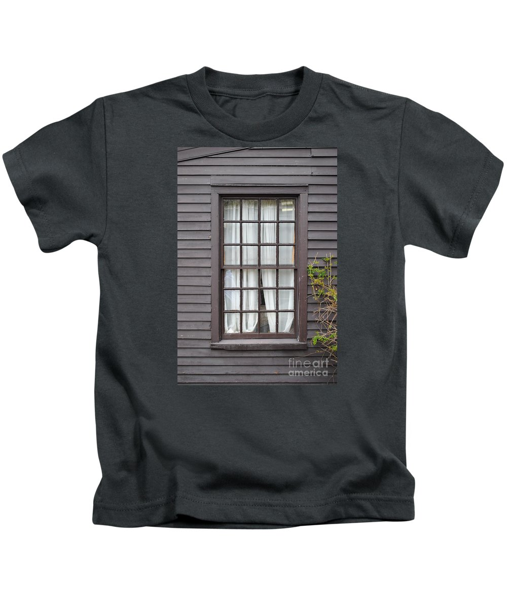 Window Kids T-Shirt featuring the photograph Country Window by Jost Houk