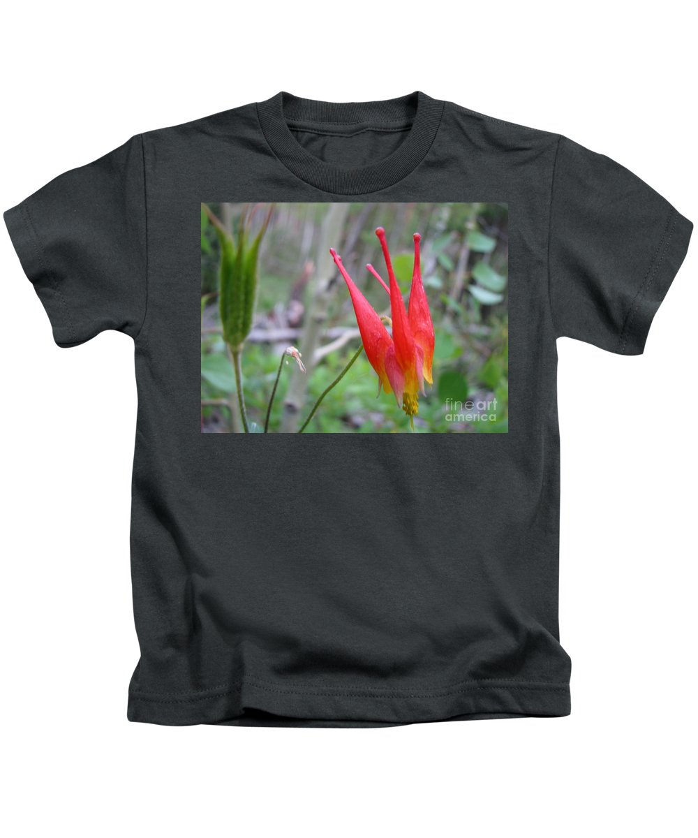 Flowers Of Colorado Kids T-Shirt featuring the photograph Crown by Amanda Barcon