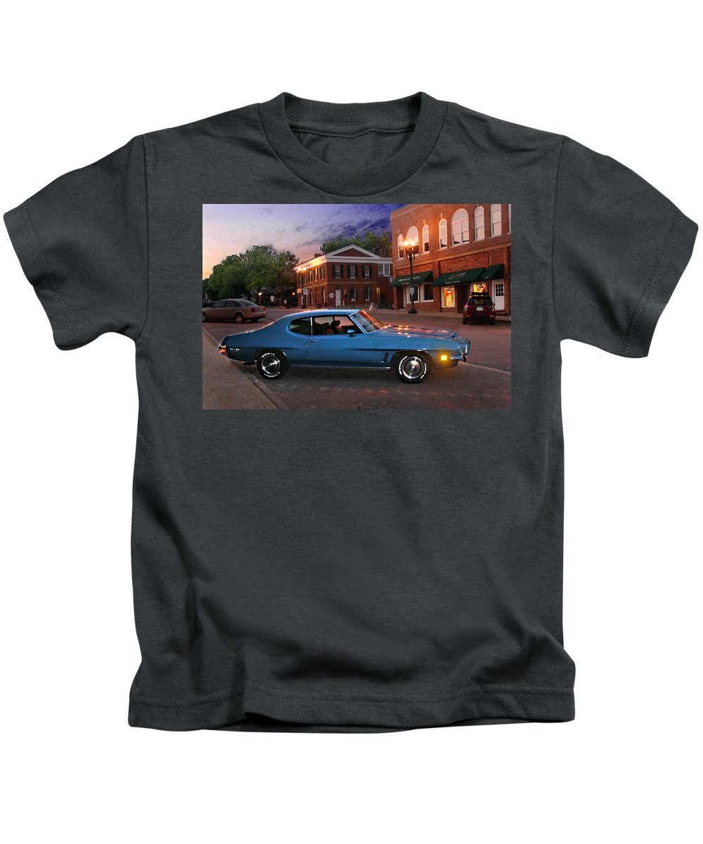 Landcape Kids T-Shirt featuring the photograph Cruise Night in Liberty by Steve Karol