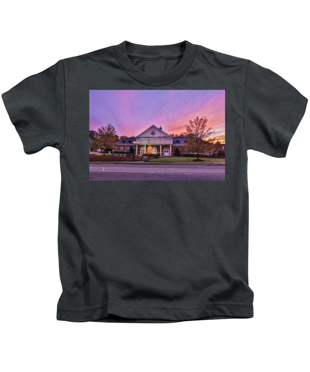Rockingham Kids T-Shirt featuring the photograph Downtown Rockingham by Jimmy McDonald