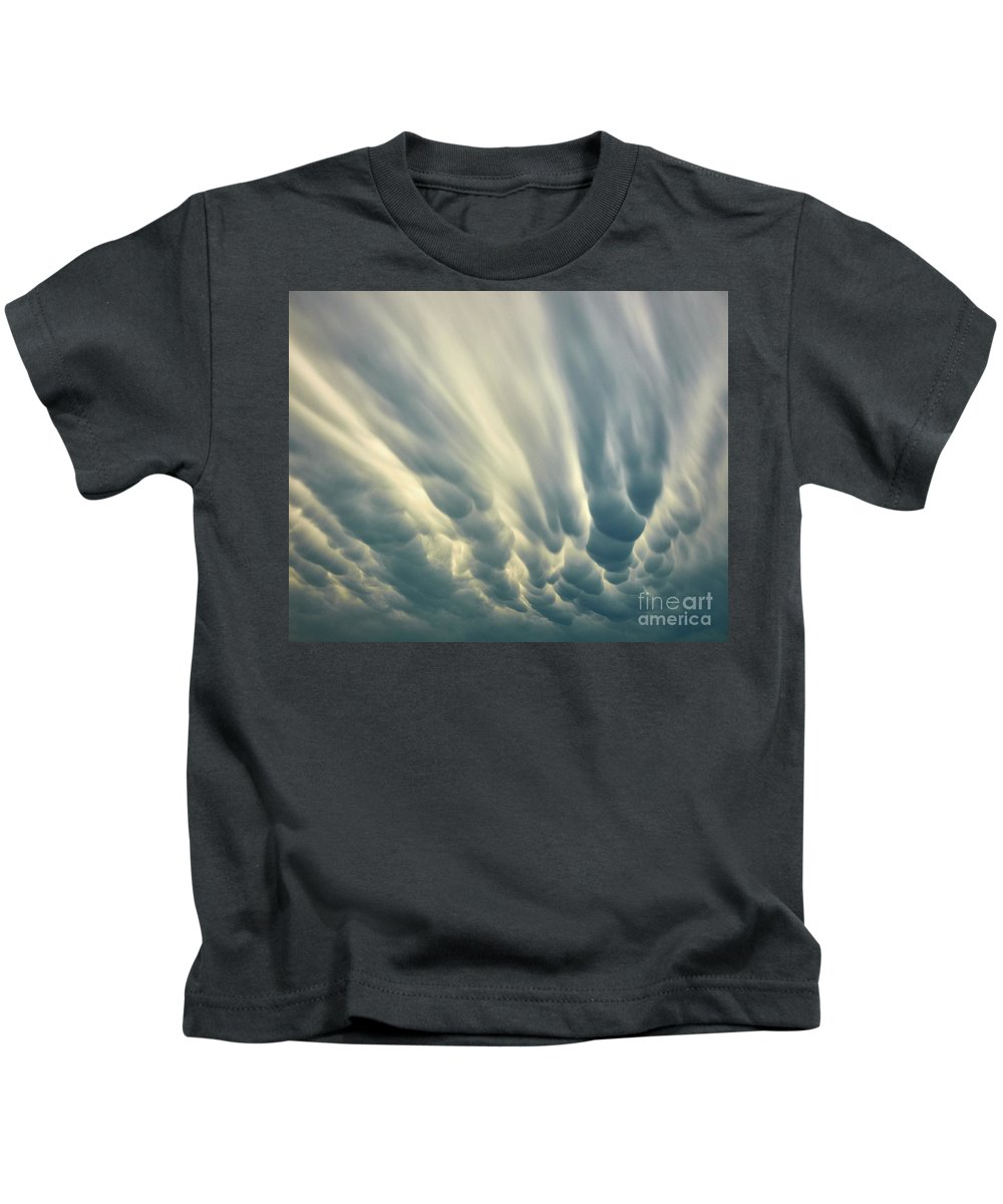 Clouds Kids T-Shirt featuring the photograph Dropping Clouds by Stanton Tubb