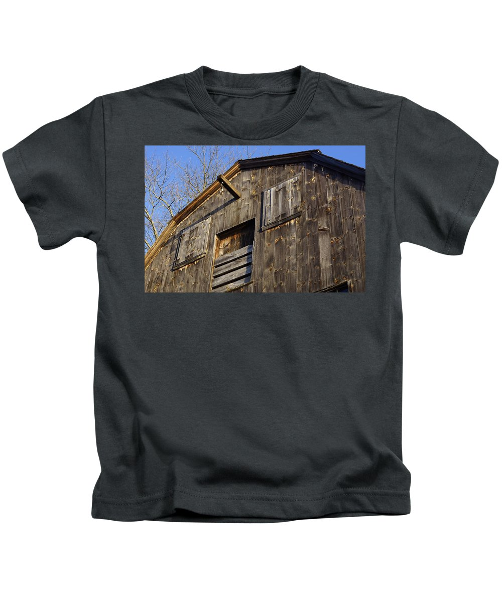 Early American Kids T-Shirt featuring the photograph Early American Barn by Jasmin Hrnjic