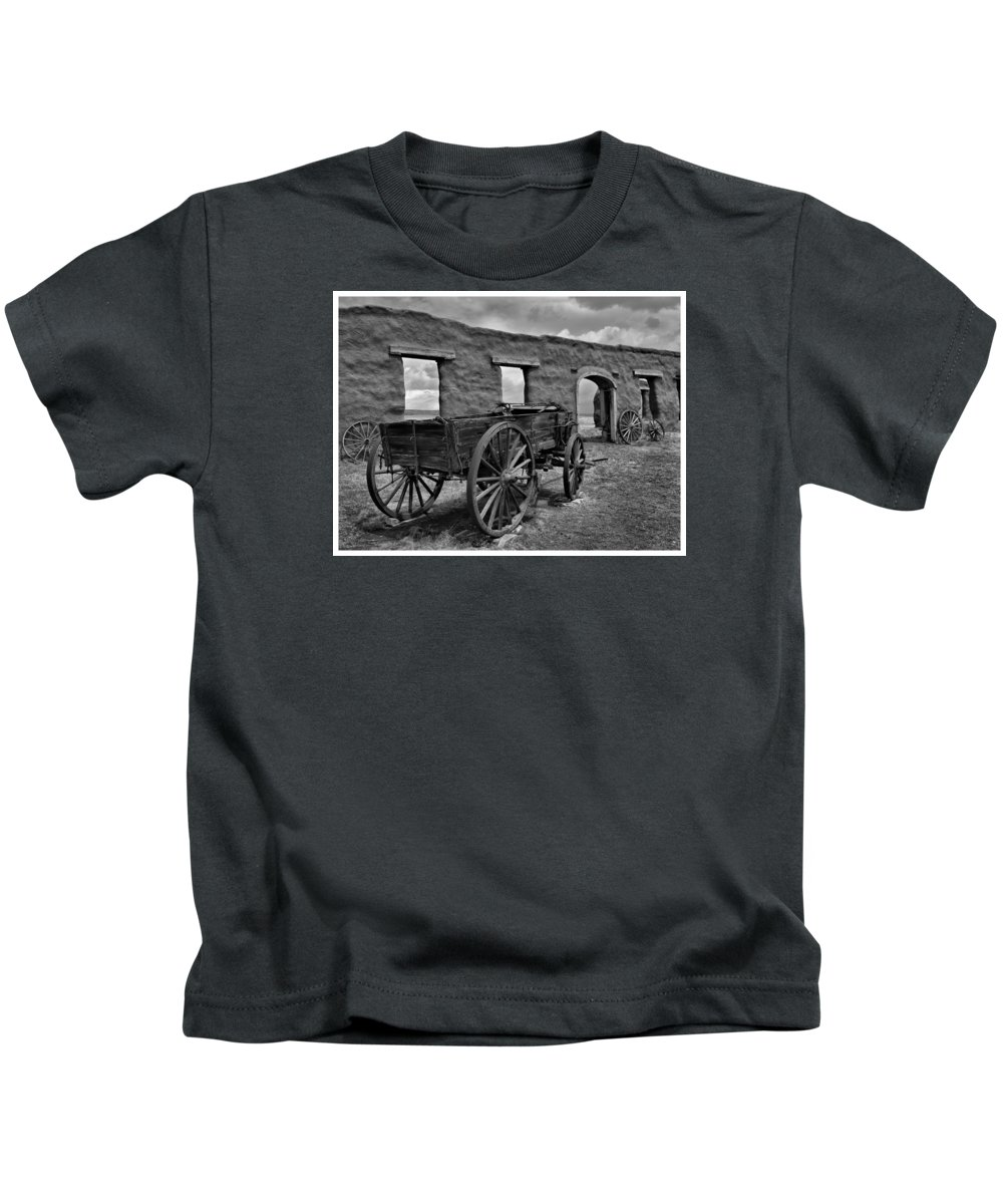 Southwest Usa Kids T-Shirt featuring the photograph Ft. Union Ruins by Alan Toepfer
