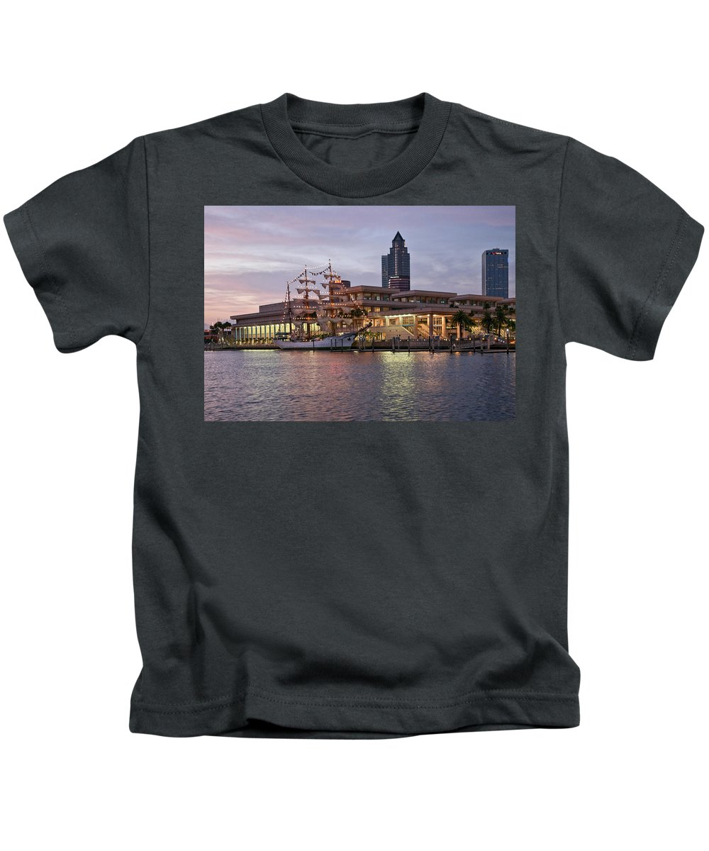 Arc Gloria Kids T-Shirt featuring the photograph Gloria Visiting Tampa by Steven Sparks