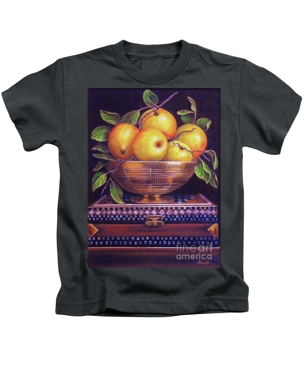Still Life Kids T-Shirt featuring the painting 'golden Delicious' by Linda Sosangelis
