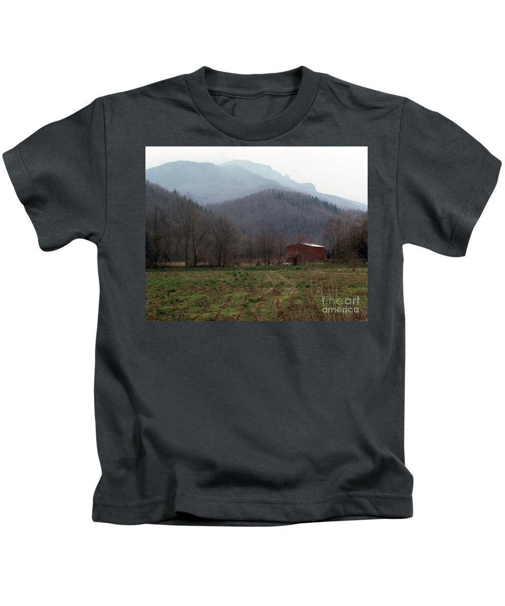 North Carolina Kids T-Shirt featuring the photograph Grandfather Mountain by Richard Rizzo