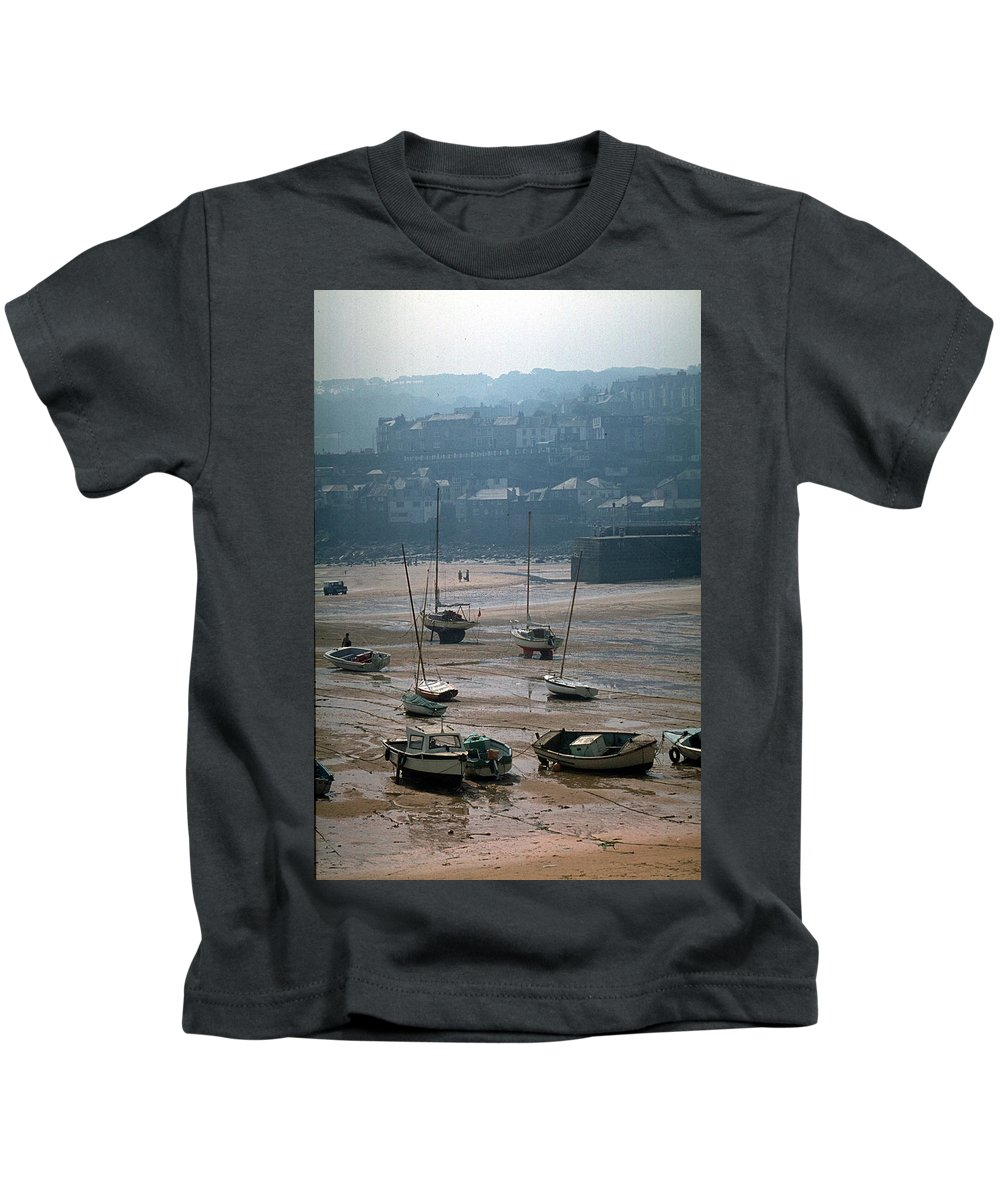 Great Britain Kids T-Shirt featuring the photograph Harbor IIi by Flavia Westerwelle