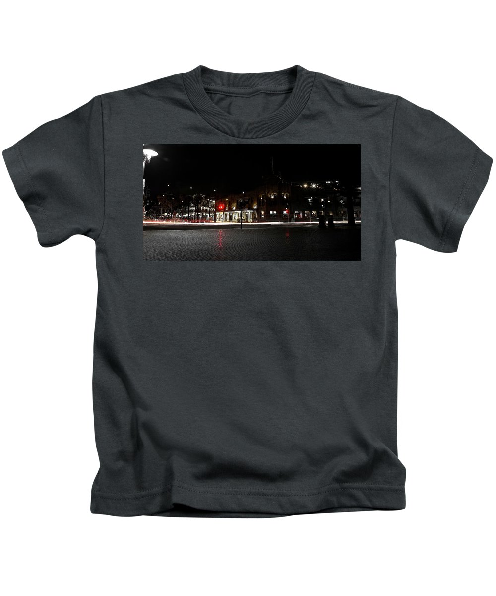 Manly Kids T-Shirt featuring the photograph Hotel Stayne And Manly by Miroslava Jurcik