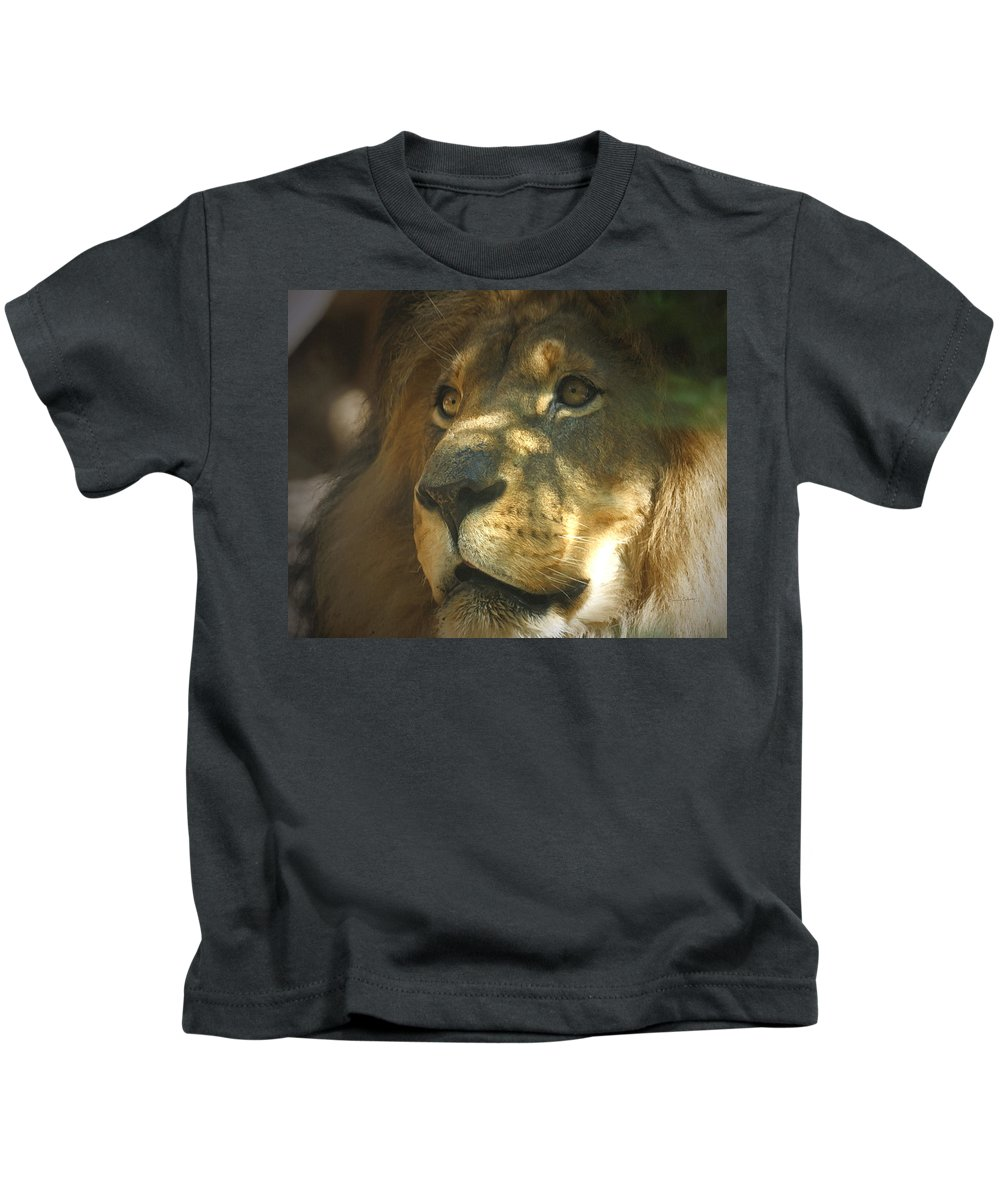 Lion Kids T-Shirt featuring the photograph I Want Some by Ernie Echols