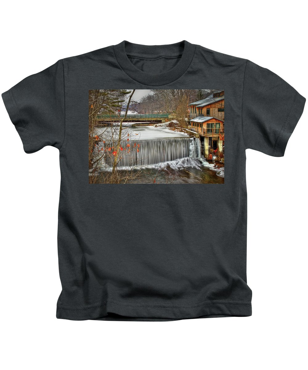 Blur Kids T-Shirt featuring the photograph Icy Conditions by Evelina Kremsdorf