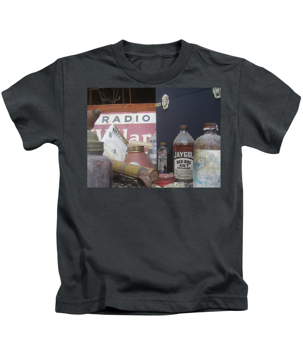 Window Kids T-Shirt featuring the photograph Jaygol by Flavia Westerwelle