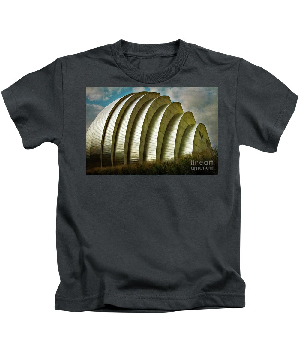Kauffman Performing Arts Center Kids T-Shirt featuring the photograph Kauffman Performing Arts Center 1 by Doug Sturgess