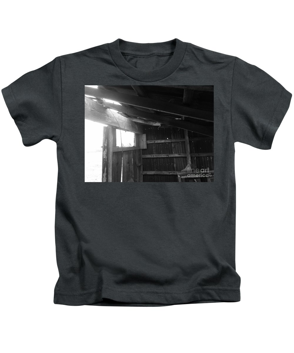 Barn Photography Kids T-Shirt featuring the photograph Kentucky Cabin by Robin Lewis