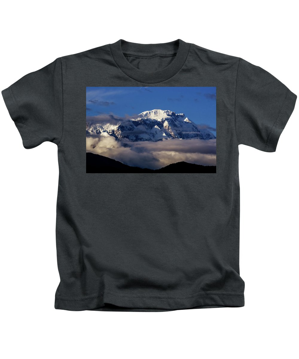 Asia Kids T-Shirt featuring the photograph Lamjung Himal by Yuka Ogava