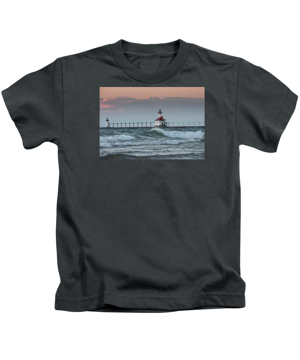 Light House Kids T-Shirt featuring the photograph Light House by Lee Richardson