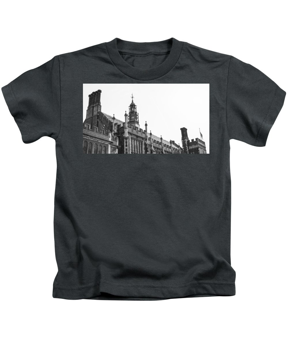Kids T-Shirt featuring the photograph Lincoln's Inn by Jared Windler