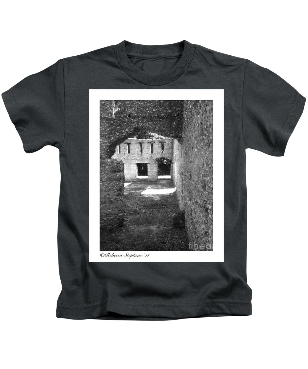 Tabby Kids T-Shirt featuring the photograph Mcintosh Sugar Mill Tabby Ruins Arch by Rebecca Stephens