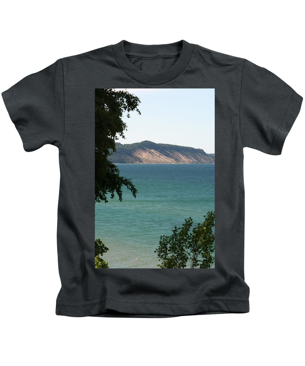 Arcadia Michigan Kids T-Shirt featuring the photograph Michigan Bluff by Linda Kerkau