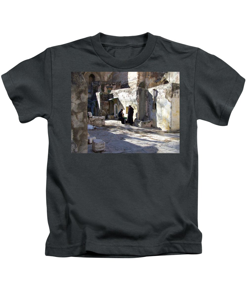 Jerusalem Kids T-Shirt featuring the photograph Morning Conversation by Kathy McClure