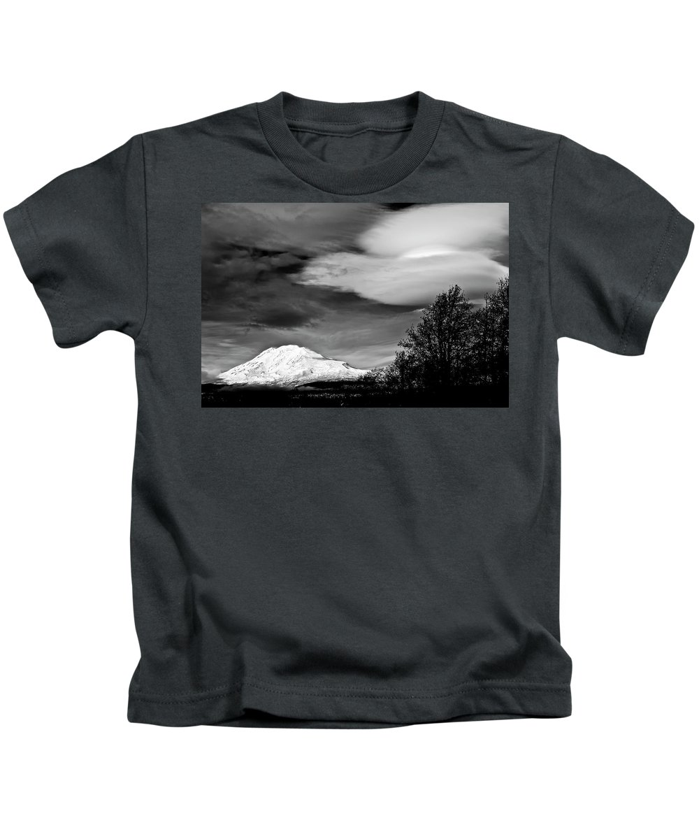 Lenticular Clouds Kids T-Shirt featuring the photograph Mt Adams With Lenticular Cloud by Albert Seger