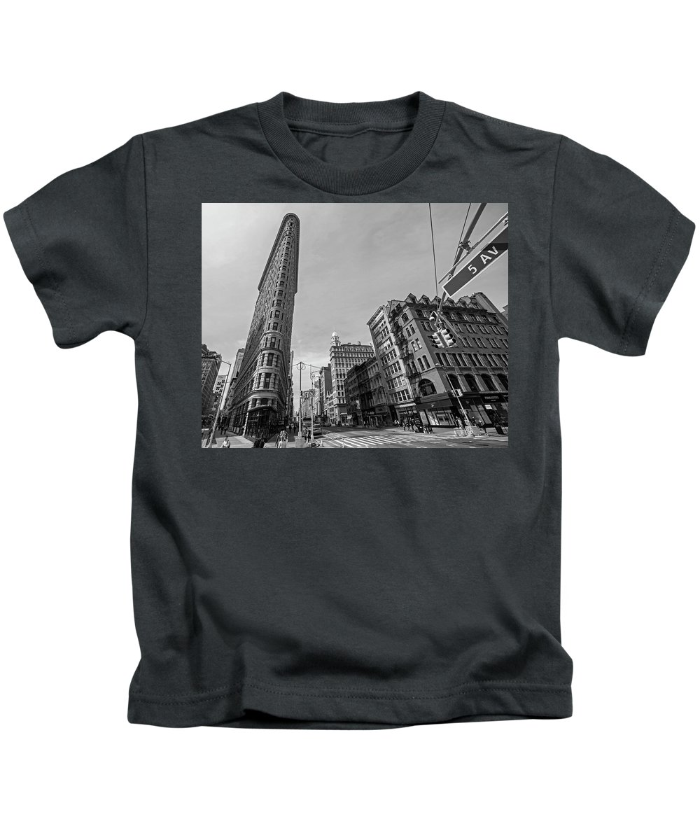 New Kids T-Shirt featuring the photograph New York Ny Flatiron Building Fifth Avenue Black And White by Toby McGuire