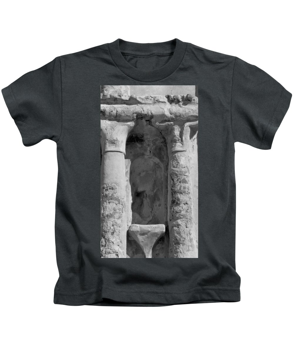 Niche Kids T-Shirt featuring the photograph Niche by Kathy McClure