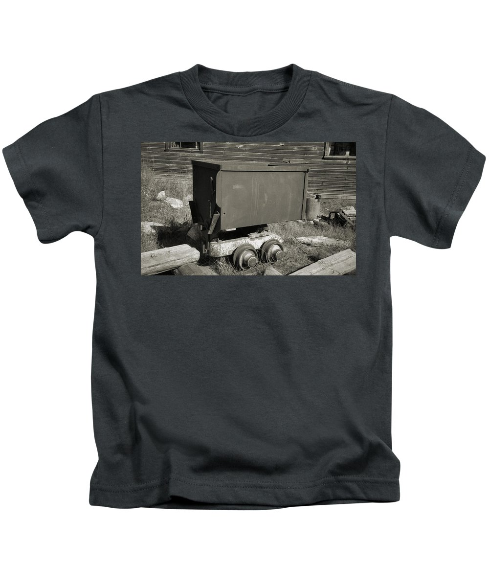 Ore Cart Kids T-Shirt featuring the photograph Old Mining Cart by Richard Rizzo