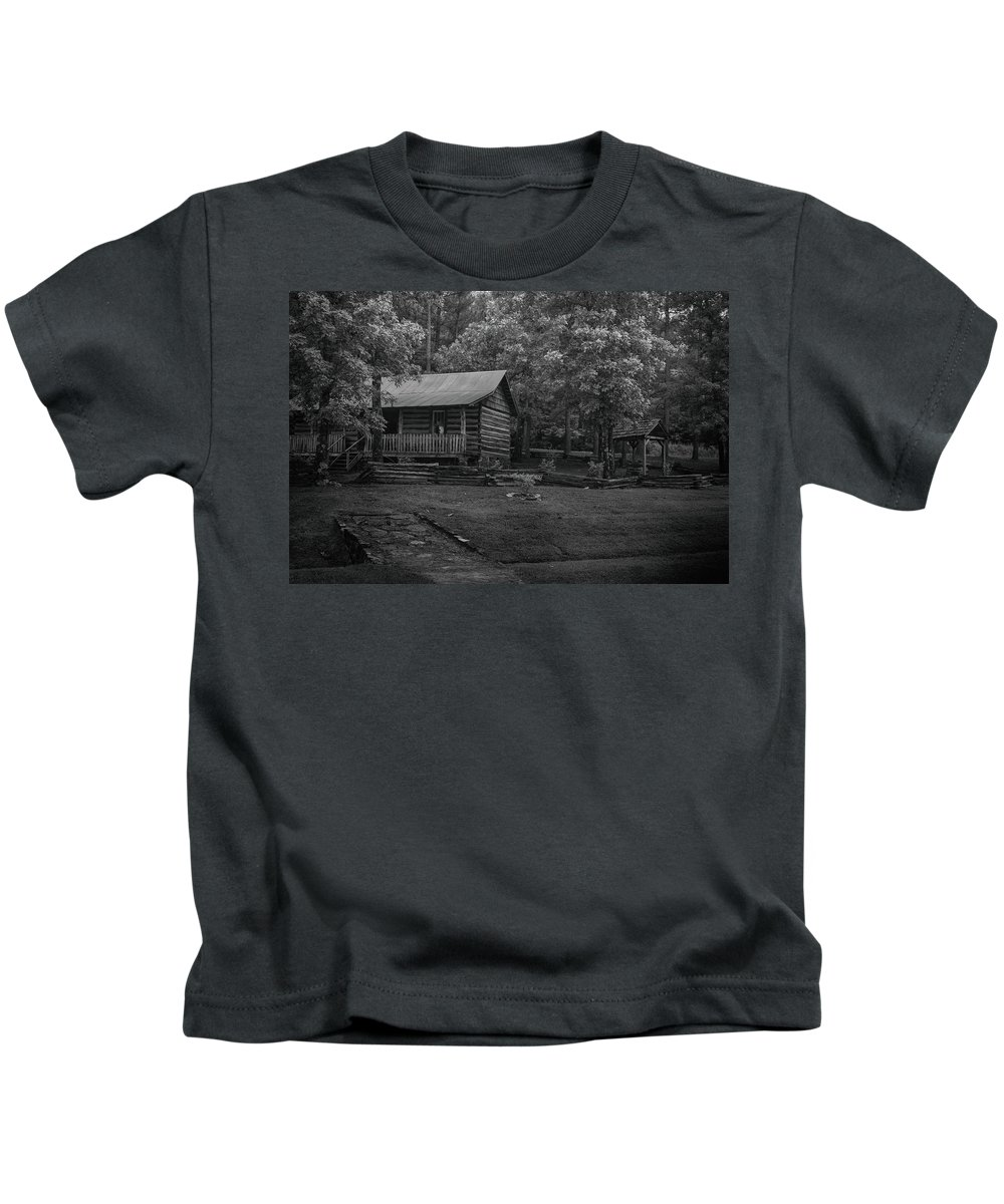 Cabin Kids T-Shirt featuring the photograph Ozark Cabin by Larry Pegram