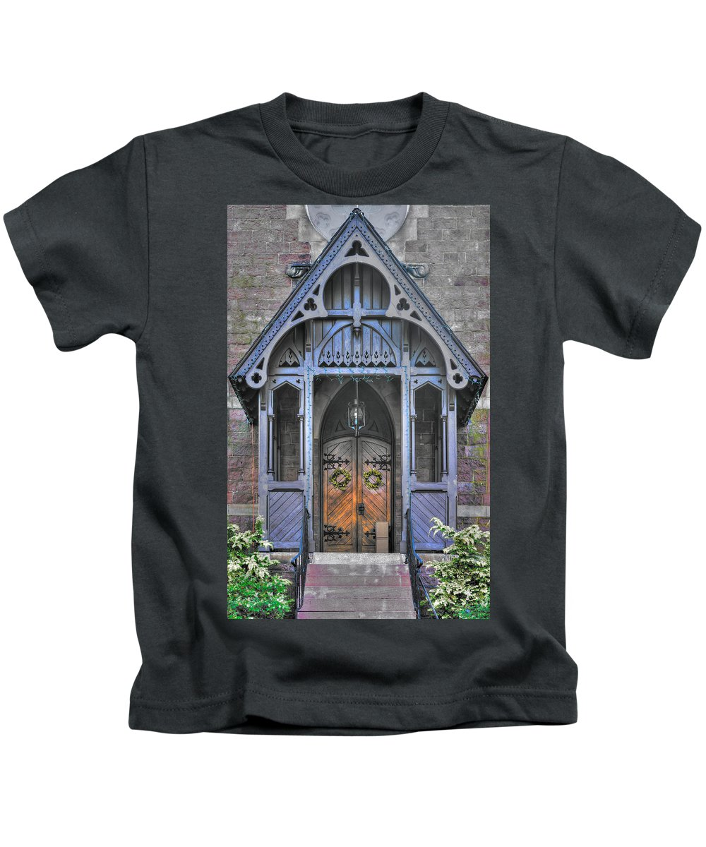 Coleman Memorial Chapel Kids T-Shirt featuring the photograph Pa Country Churches - Coleman Memorial Chapel Exterior - Near Brickerville, Lancaster County by Michael Mazaika