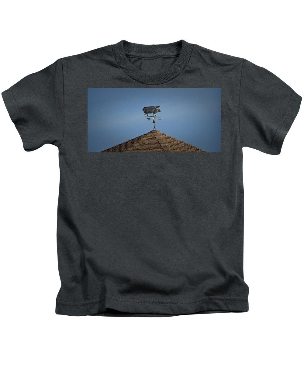 Pig Kids T-Shirt featuring the photograph Pig Weathervane Ocean Isle North Carolina by Teresa Mucha