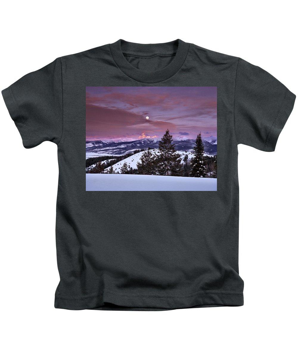Winter Kids T-Shirt featuring the photograph Pine Creek Pass by Leland D Howard
