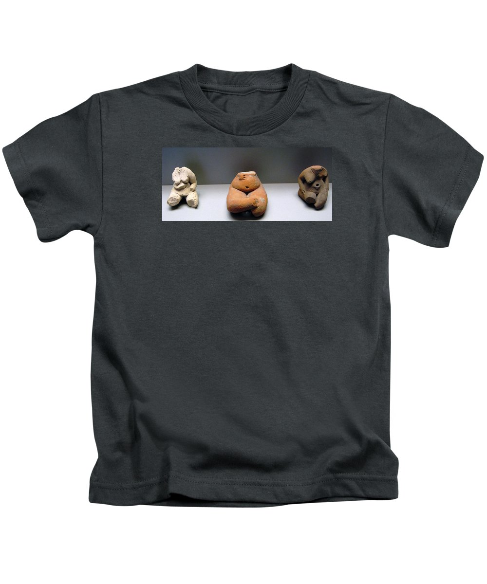 Neolithic Figurine Kids T-Shirt featuring the photograph Pregnant Seated Woman by Andonis Katanos