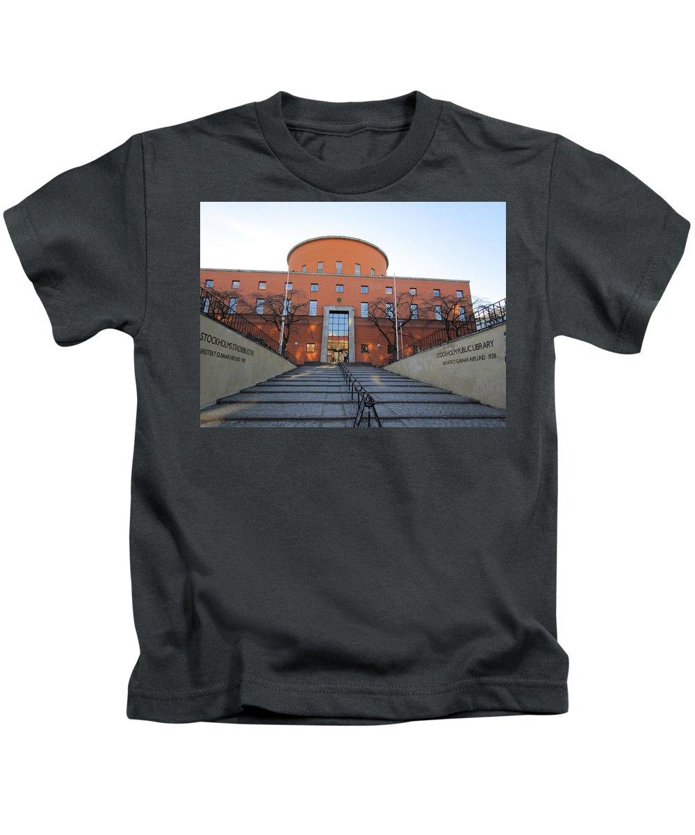 City Kids T-Shirt featuring the photograph Public Rotunda by Rosita Larsson