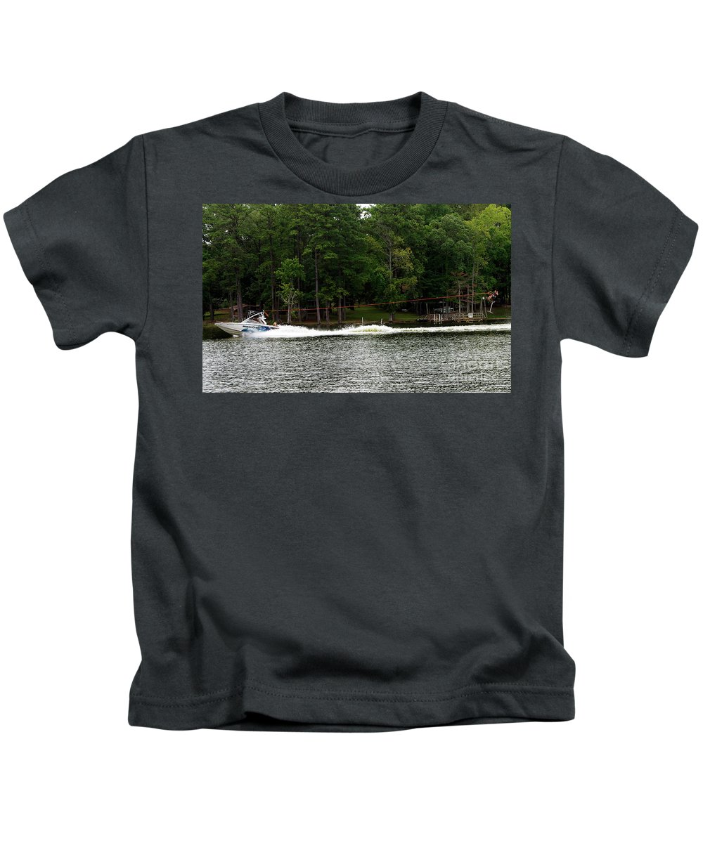Scenic Tours Kids T-Shirt featuring the photograph Pulling Up A Seat by Skip Willits