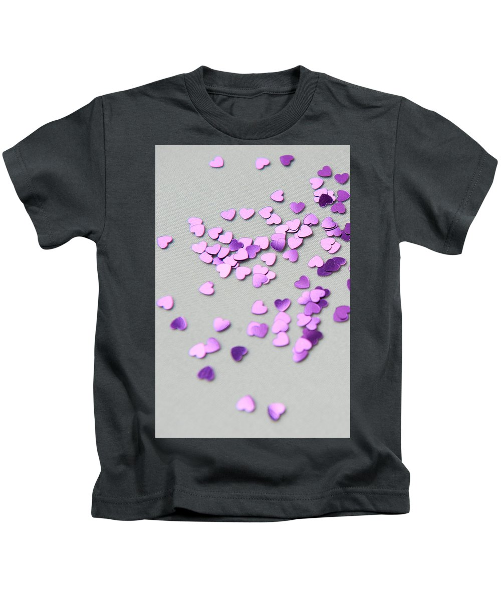 Hearts Kids T-Shirt featuring the photograph Purple Scattered Hearts I by Helen Northcott