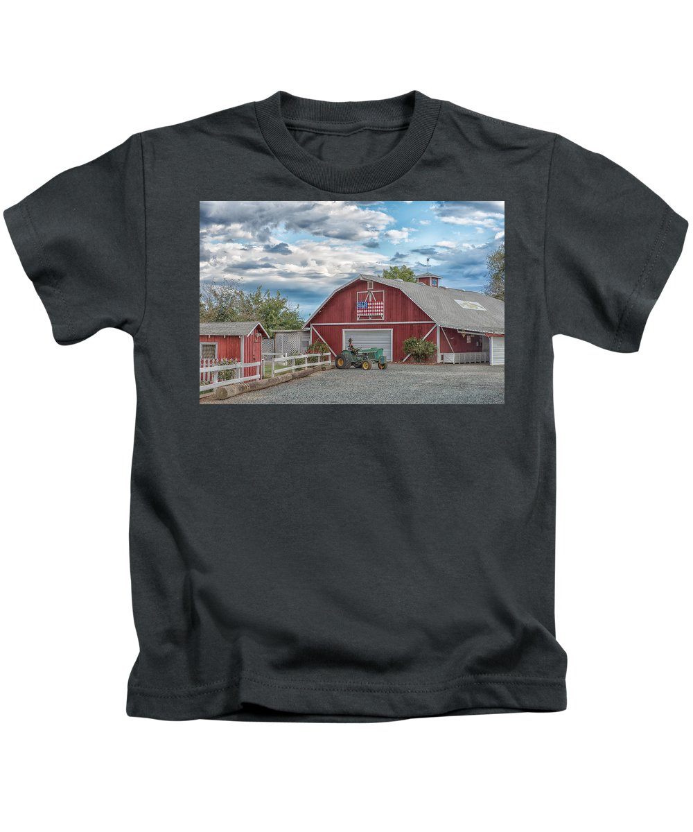 American Flag Kids T-Shirt featuring the photograph Red Flag Barn by Robin Mayoff