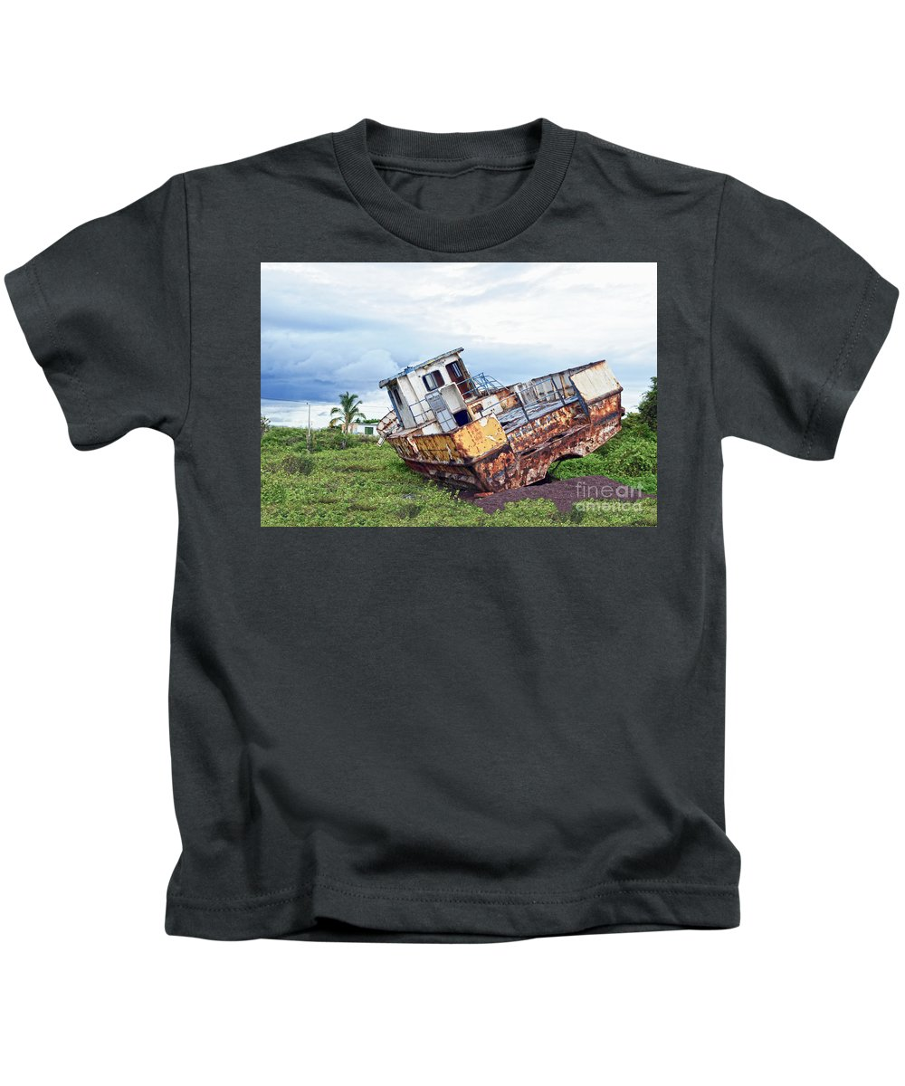 Archipielago De Colon Kids T-Shirt featuring the photograph Rusty Retired Fishing Boat by Catherine Sherman