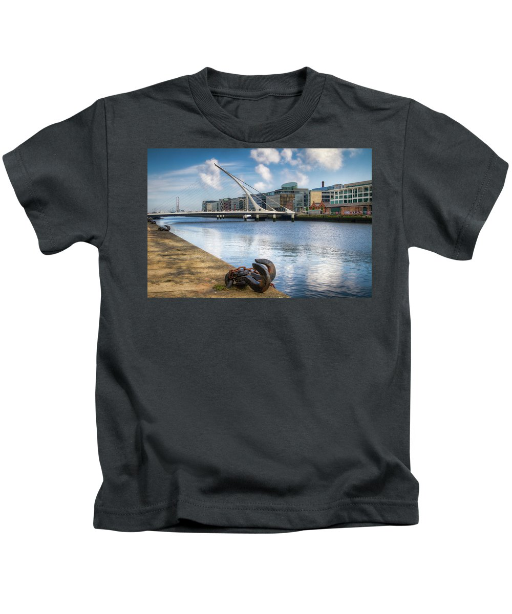 Dublin Kids T-Shirt featuring the photograph Samuel Beckett Bridge, Dublin, Ireland by Eric Drumm