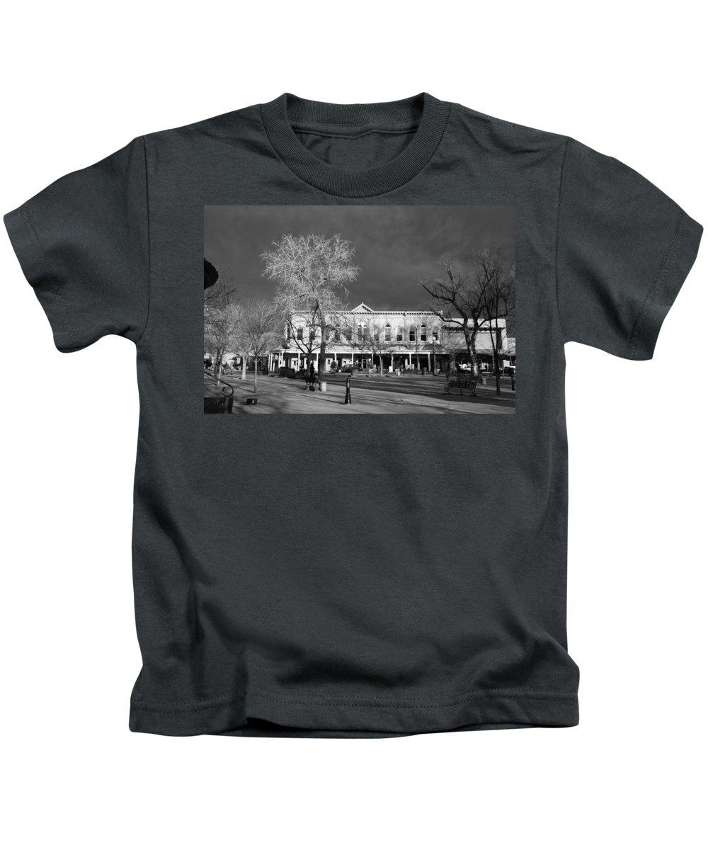 Santa Fe Kids T-Shirt featuring the photograph Santa Fe Town Square by Rob Hans