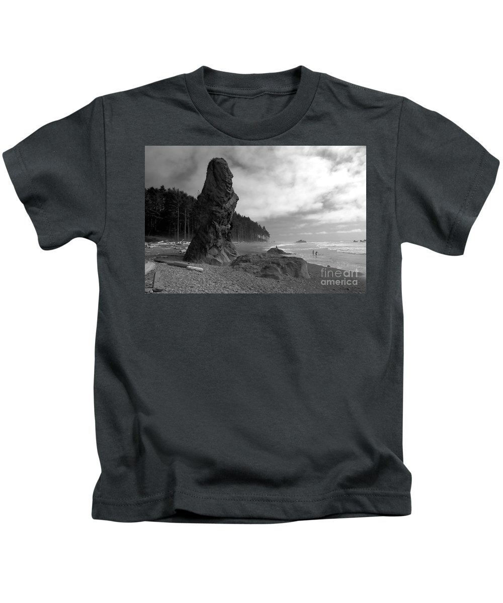 Sea Stack Kids T-Shirt featuring the photograph Sea Stack by David Lee Thompson