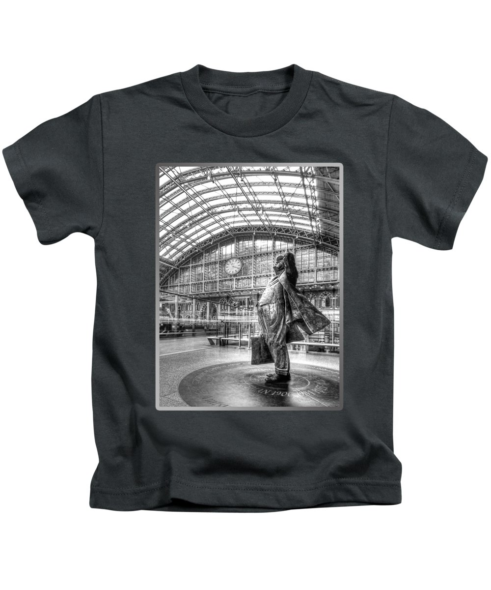 Railroad Station Photographs Kids T-Shirts
