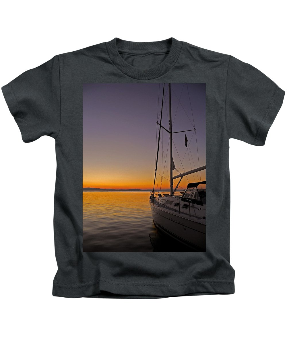 North America Kids T-Shirt featuring the photograph Somewhere Beyond The Sea ... by Juergen Weiss