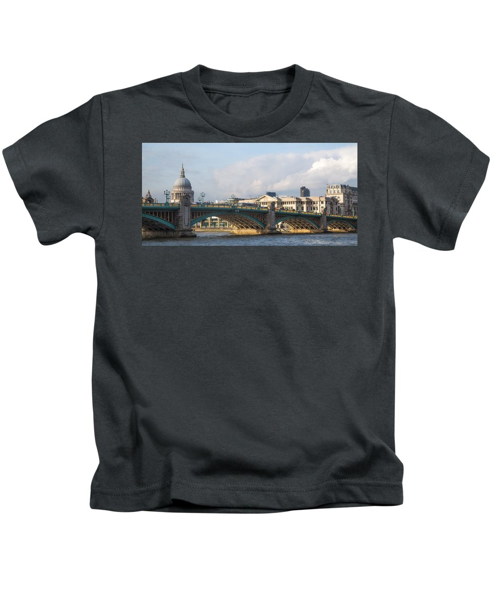 Kids T-Shirt featuring the photograph Southwark Bridge by Jared Windler