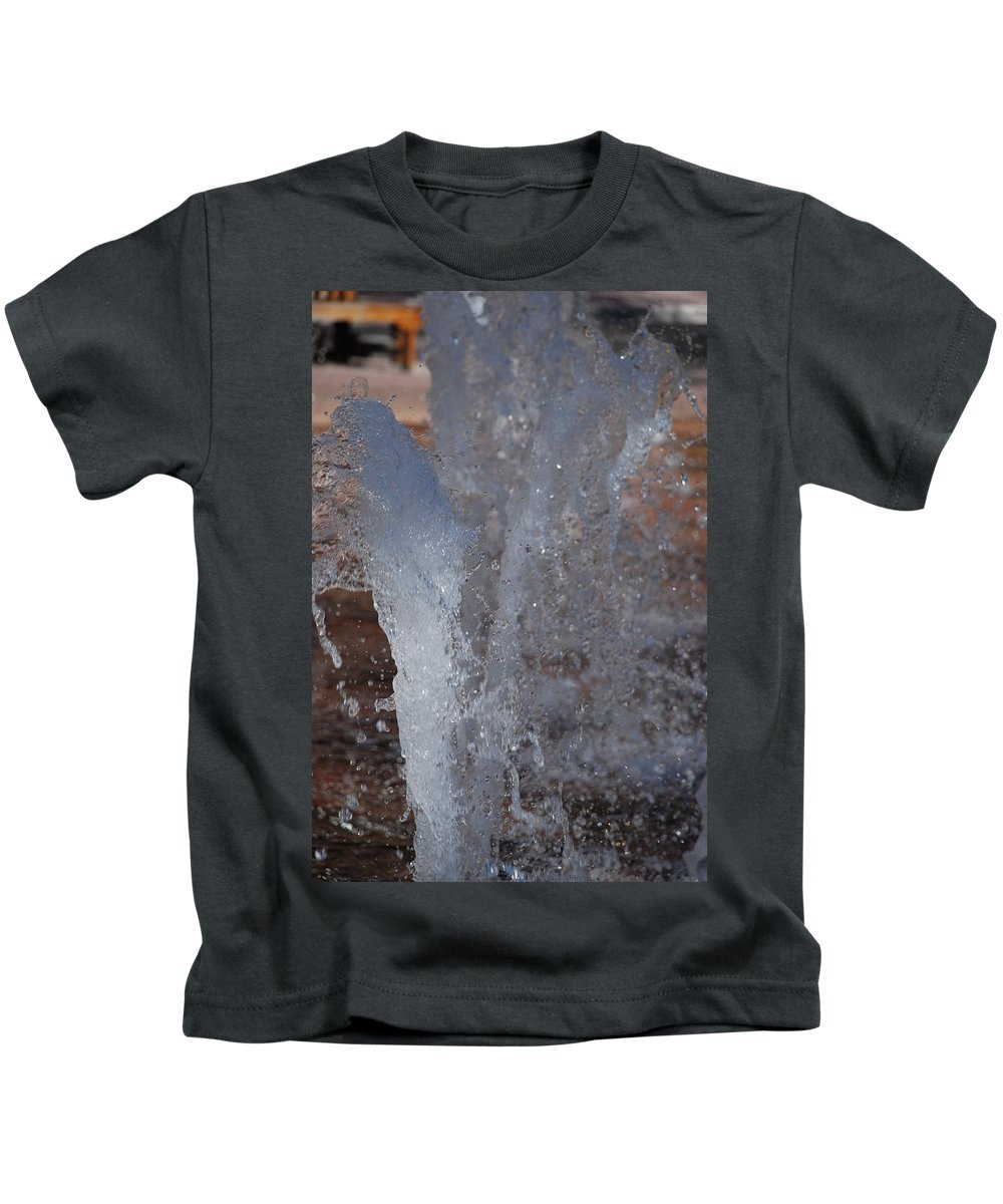 Water Kids T-Shirt featuring the photograph Splash by Rob Hans