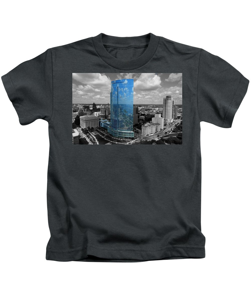 Northwestern Mutual Life Kids T-Shirt featuring the photograph Standing Out by Steve Bell