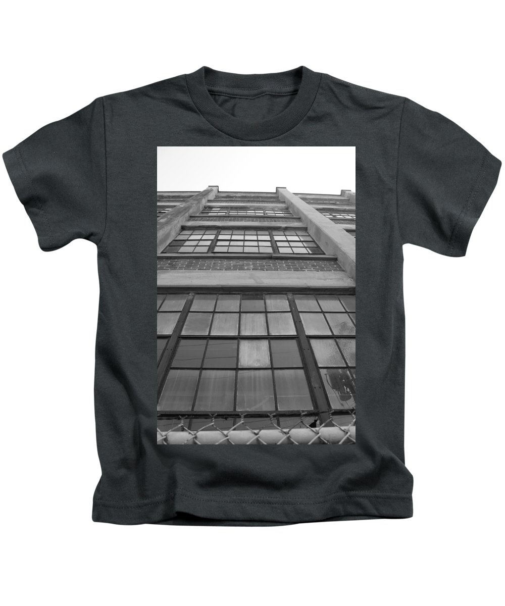 Architecture Kids T-Shirt featuring the photograph Still Reaching by Lauri Novak