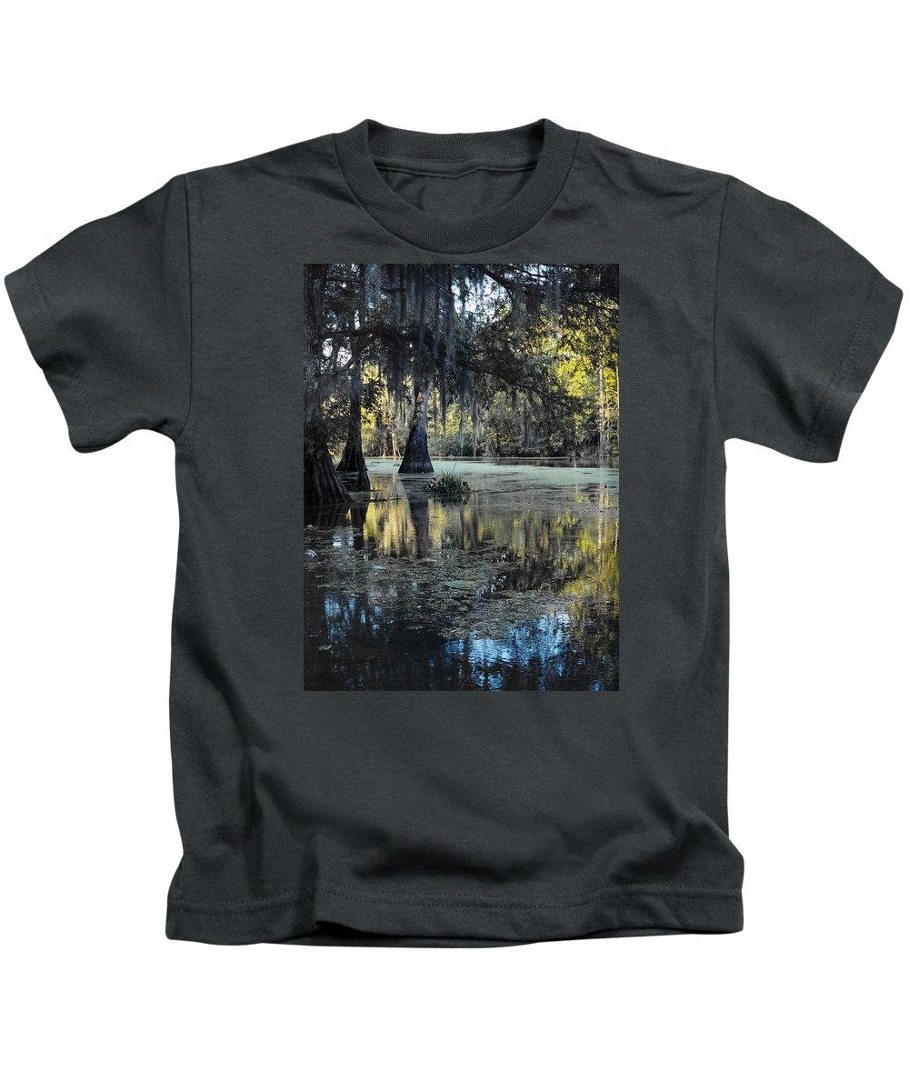 Louisiana Wetlands Kids T-Shirt featuring the photograph Summer Veil by Richard Waller